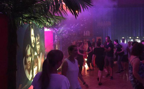 DJ zur ABBA Party